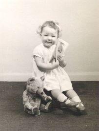 Sue Elliott as a child (1)